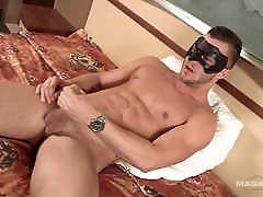 Maskurbate - BTS Footage Of Muscle Hunk Amateur&039;s First Vid
