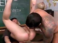 Gay Sex : Alexander Freitas & Kirk Cumming Condom
