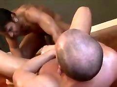 Gay Sex : Lucio Saints Pissing Sex Condom