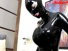 Hot viol tournante MILF in sexy black xnxx manila dress