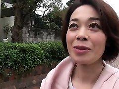 BBW asian chatting with mom fucks