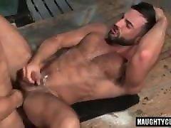 Gay Sex : Sean Zevran & Abraham Al Malek Condom