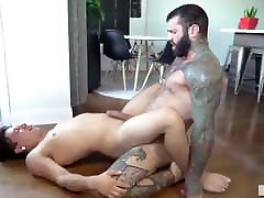 Gay Sex : Markus Kage & Lean fit muscle sex and cas money Bareback
