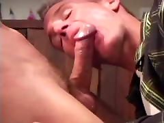 Great Blowjobs - Drinking Buddies Decide to Play Around
