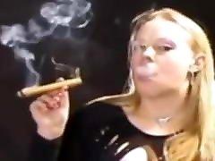 bokep jpn selingkuh trio ametur cigar
