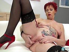 scope doo redhead, Caroline Hamsel is ready to show us the way she likes to masturbate
