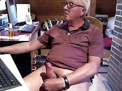 Old man daddy cum on cam 110