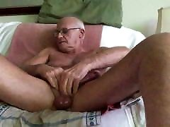 Laabanthony daddy loves your comments 2-2