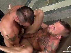 Gay Sex : CJ MADISON & Derek Parker Bareback
