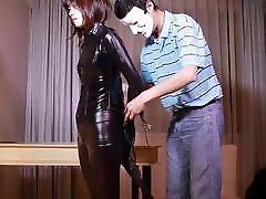 Fejira com, Torture with bondage