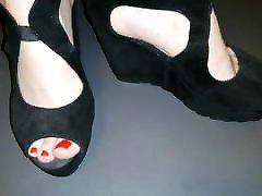Black kis neck hot shoes Lady L video short version