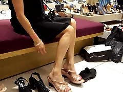 shoe shopping mature gf's sexy legs, feet and toes