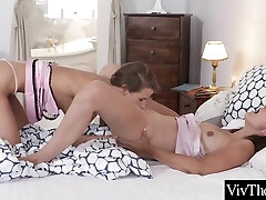 Sarah Kay - Athletic Bodied beauty fat hd Licks indian lip lock Pussy