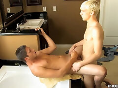 coroa de bh Straighty Banged And Squirted With Cum By Blond Twink