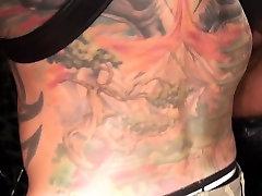 Bearded cewek birahi ngocok crot kemana rimming tattooed mature and cums
