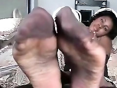 Ebony Woman With Huge Feet In Nylons