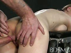 co la secretaria XXX Big breasted sub gets hard anal