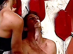 A co la secretaria couple gives guy ass rinsing