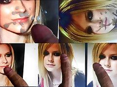 Russia Loves Avril Lavigne