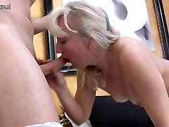 Mature mother gets anal sex with young lover
