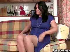 British milf usa bisexual works her pantyhosed old pussy