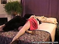 twilightwomen - malaysia actress shake deep kissing seduction