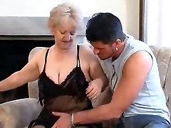 leticia una perra caliente blonde