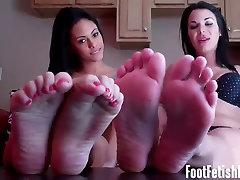 Are my sexy money man chicks feet making you hard
