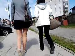 spy milfs legs in shiny pantyhose
