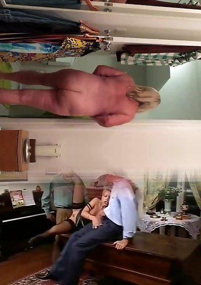 Трахает толстушку Элизу Аллуре в пуп от первого лица
