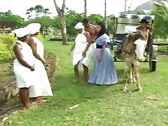 Visita Noturna do Patrao as 2 Escravas Negras
