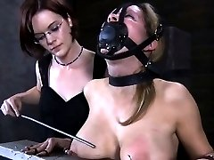 Hot slave delights with oral-stimulation