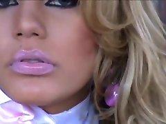 Alexandra Beatriz 01 • www.transexluxury.com