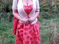Big tits and ass in the corn field
