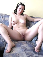 Attractive Consuela undress her green lingeire and shows perfect body