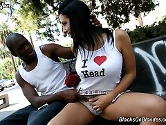 Hottie Hollie Interracial Black Cock Movies at Blacks On Blondes!