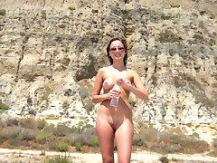 Wild sexy hottie spreads at a beach