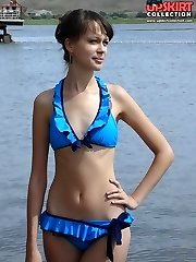 Golden skin of girls looks hot in tiny bikini
