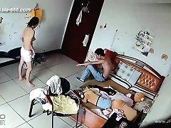 Hackere kan bruke kameraet til å fjernovervåking av en elskers liv i hjemmet.38