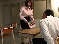 Yui Asahina - Sexy Profesora De Japonés
