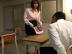 Yui Asahina - Sexy Professeur Japonais
