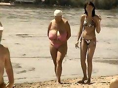 Retro big bra-stuffers mix up on Russian beach