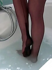 Fans ask regularly about seeing Nylon Jane's soles covered in soddening wet nylon stockings, so you can now all enjoy a hot tub together wearing Jane's fully fashioned nylons