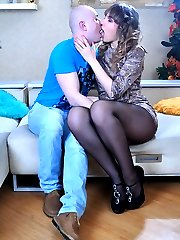 Unabashed hussy seduces her new studly guy into hardcore pantyhose screwing