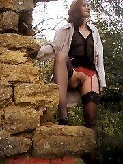 Hot mature woman nude outside