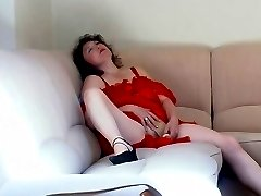 Curvy milf in scarlet nighty toying her twat before younger girl joining in