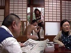 هاروكي ساتو في هاروكي تعود إلى البيت الجزء 1.1