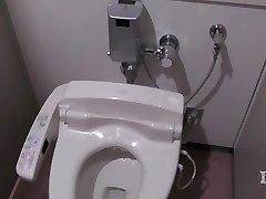 Elit abnormális nő. A wc-egy munkahelyen, onan