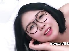 KOREA1818.COM - Sexy Brilles korejas meiteni!