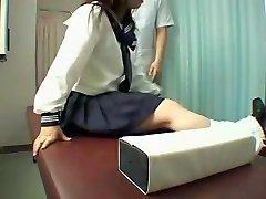 Perfetto Jap slut gode di una viziosa massaggi in hidden cam video